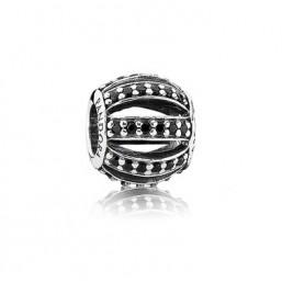 Pandora charm circonitas negras