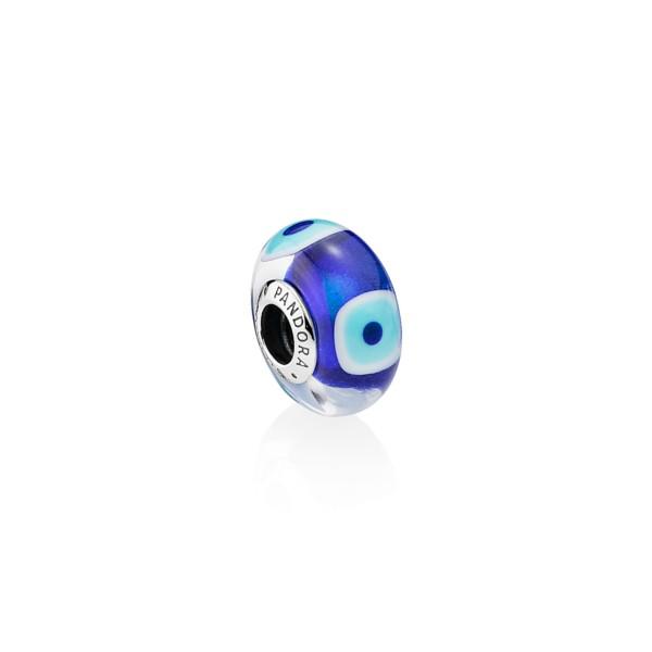 Precio reducido en venta nueva colección charm pandora ojo