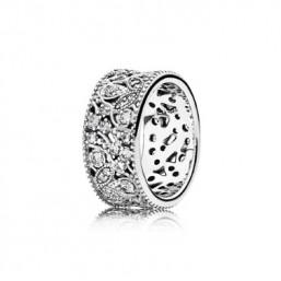 "Pandora anillo ""Hojas Brillantes"" en plata talla 12."