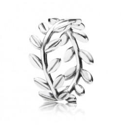 "Pandora ""Corona de Laurel"" anillo."
