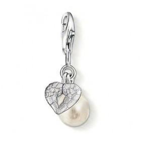 Thomas Sabo charm en plata con perla y corazón.