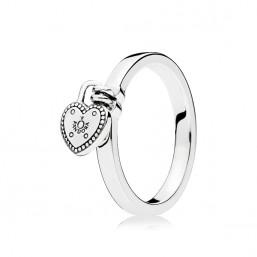 """Pandora """"Candado de Amor"""" anillo."""