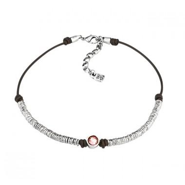 """Uno de 50 collar corto de mujer """"Red Berry""""."""