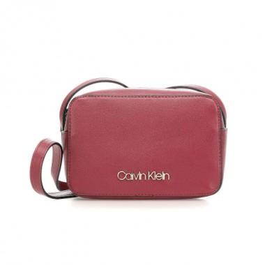 Calvin Klein Must bandolera Tibetan Red
