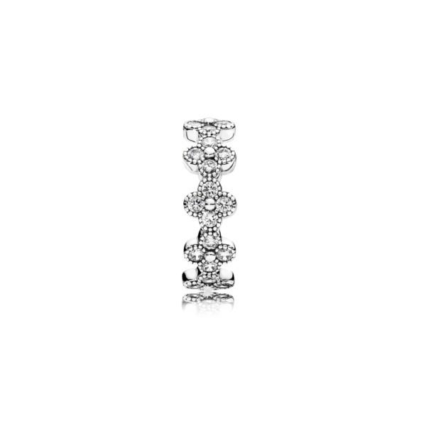 anillo de plata con circonitas pandora